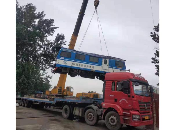 吊装火车头